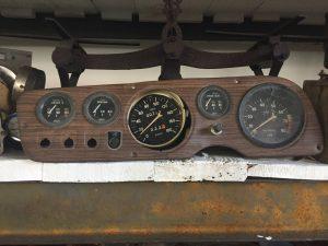 Compteur de vitesse voiture ancienne